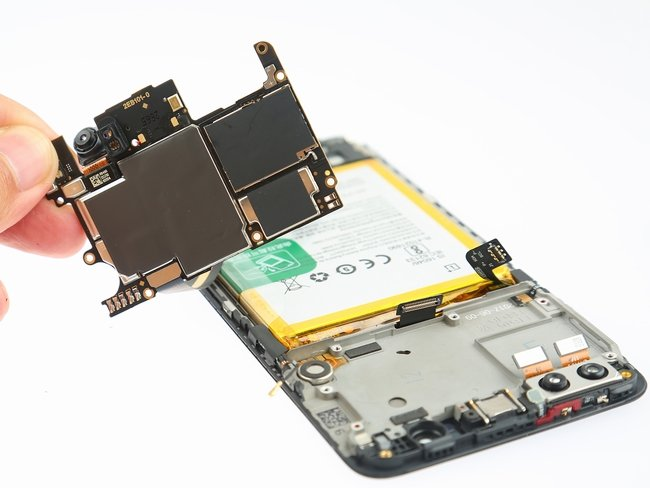 OnePlus-5-Teardown-15-600x400.jpg