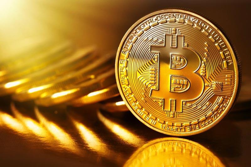 Bitcoin é o pináculo das Criptomoedas neste momento Simples Bitcoin criptomoedas