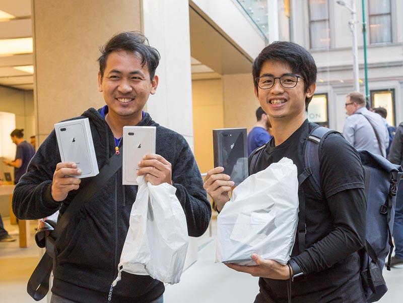 Apple iPhone SE 2 Apple iPhone 8 Plus