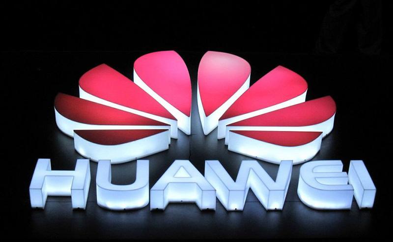 Huawei ataca fortemente o Apple iPhone X na campanha do Mate 10