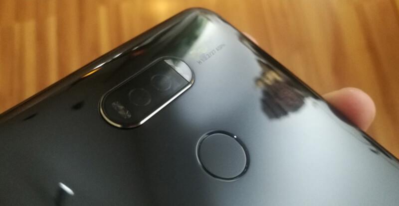 É este o Huawei Mate 10 com uma câmara na horizontal?
