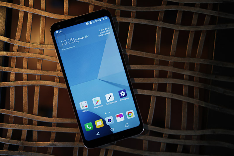 LG Q6 Smartphone Android