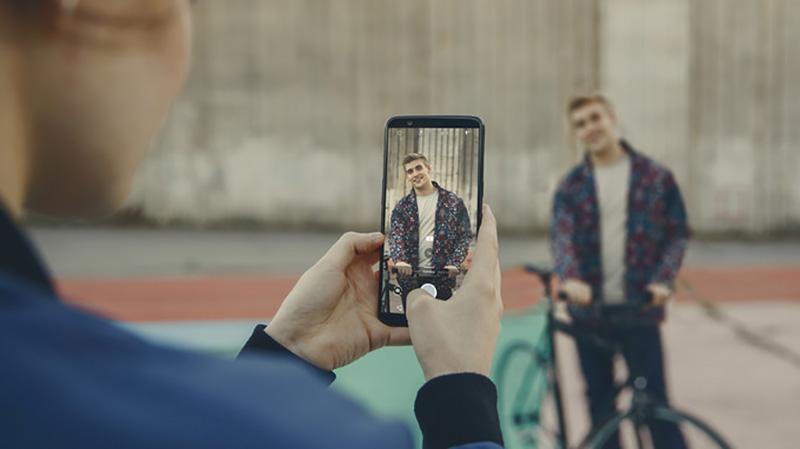 OnePlus 5T câmara smartphone Android melhorias diferença