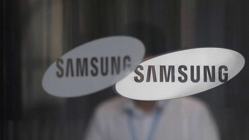 Samsung HTC smartphones