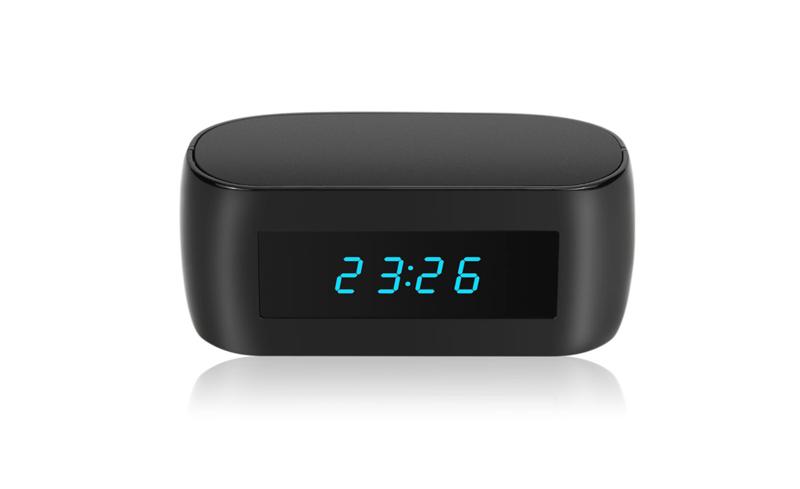 Este é o relógio de cabeceira que tem uma câmara noturna escondida