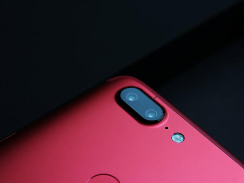 OnePlus-5T-Lava-Red-3.jpg