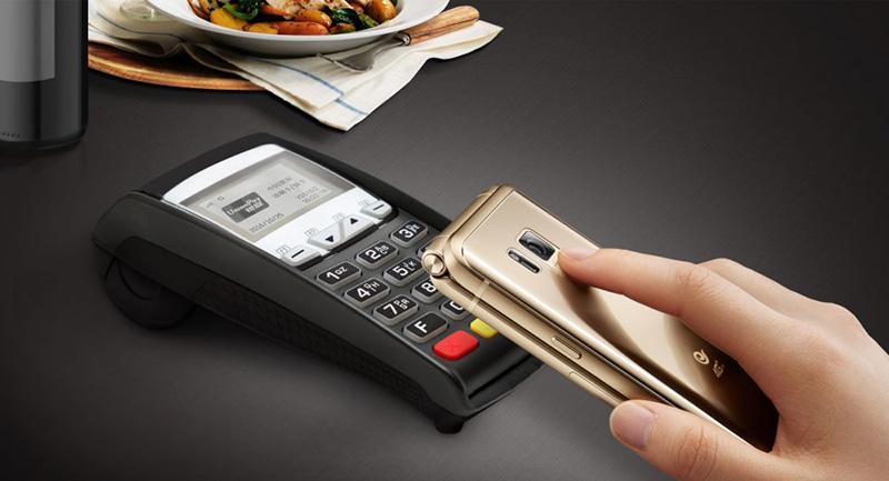 Samsung-W2018-smartphones-concha-2.jpg