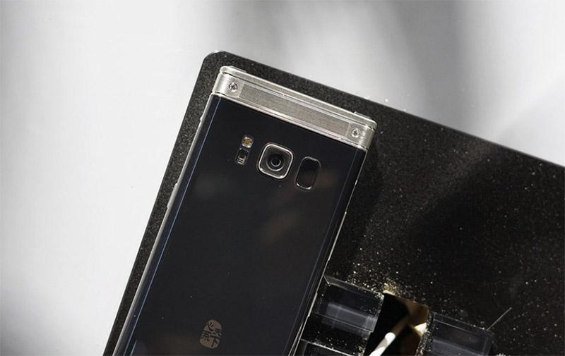 Samsung-W2018-smartphones-concha-9.jpg