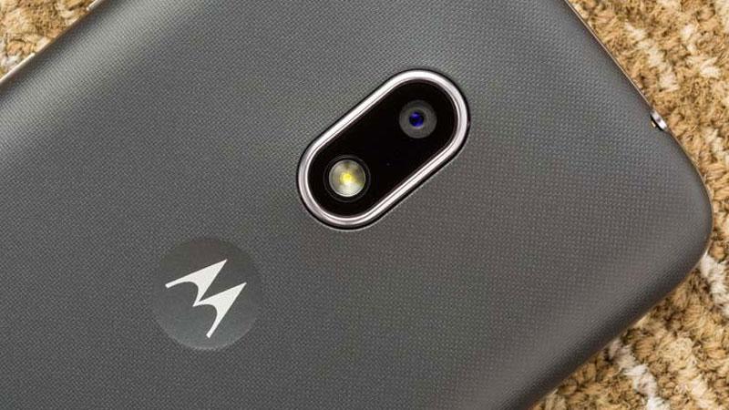 Motorola Moto G4 Play explode em pleno carregamento no Brasil