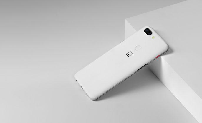 OnePlus 5T Android Oreo Sandstone
