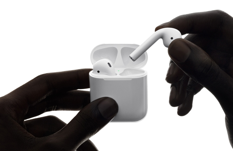 Apple AirPods iPhone