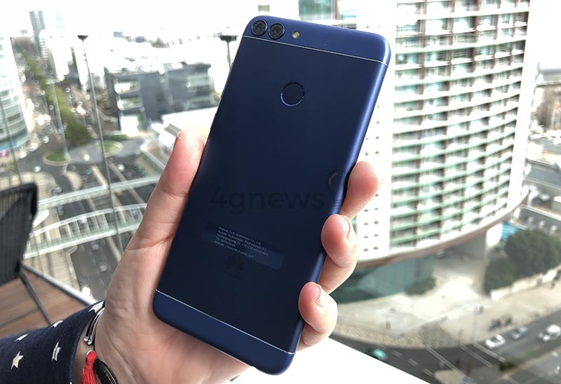 Huawei-P-smart-smartphone-Android-9.jpg