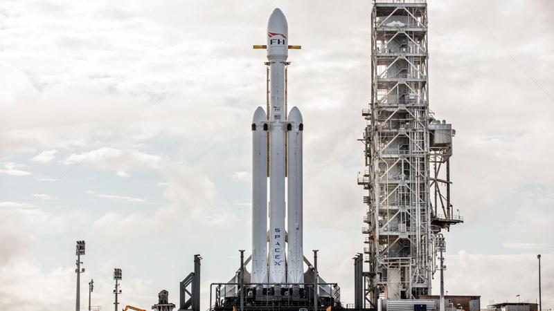 Space X Falcon Heavy - Vê aqui em direto o lançamento do foguetão de Elon Musk