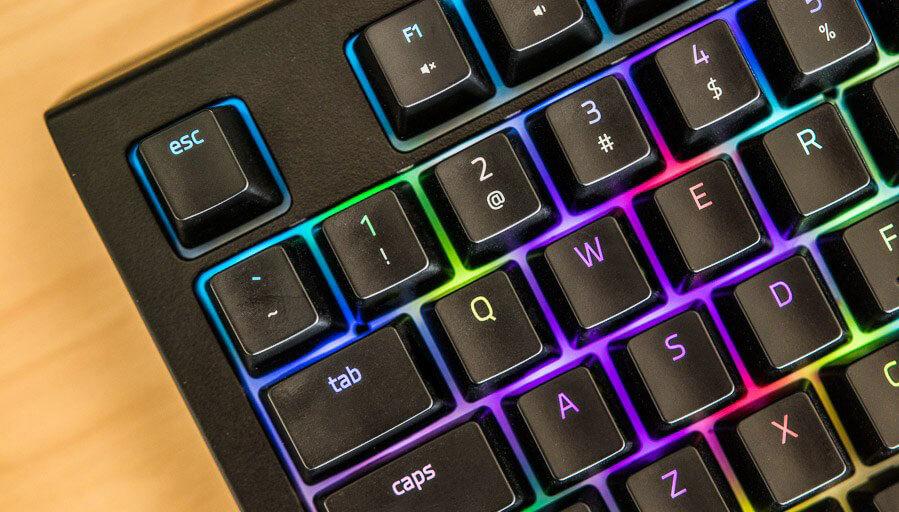 Um olhar detalhado: A rivalidade Laptop-Desktop no mundo Gaming