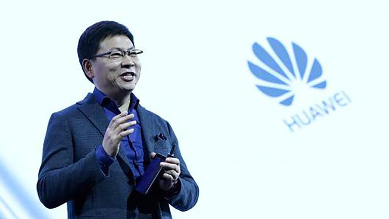 Samsung Xiaomi smartphone dobrável 5G Huawei Y3 (2018) Huawei Y5 Prime Huawei Y6 (2018) Xiaomi EUA Huawei P20 câmara DSLR