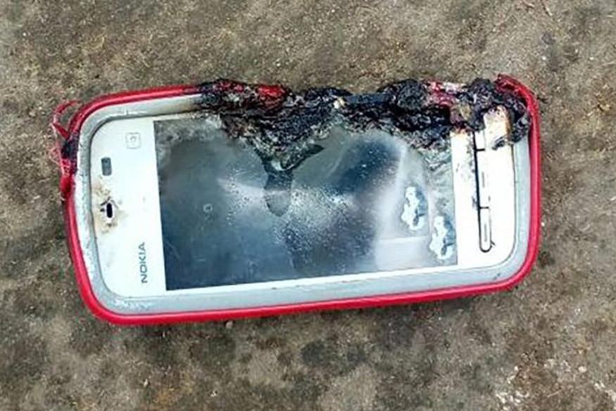 Nokia-phone-explodes.jpg