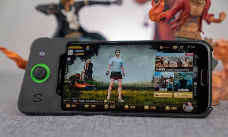 Smartphone-Xiaomi-Black-Shark-Android-Oreo-1.jpg