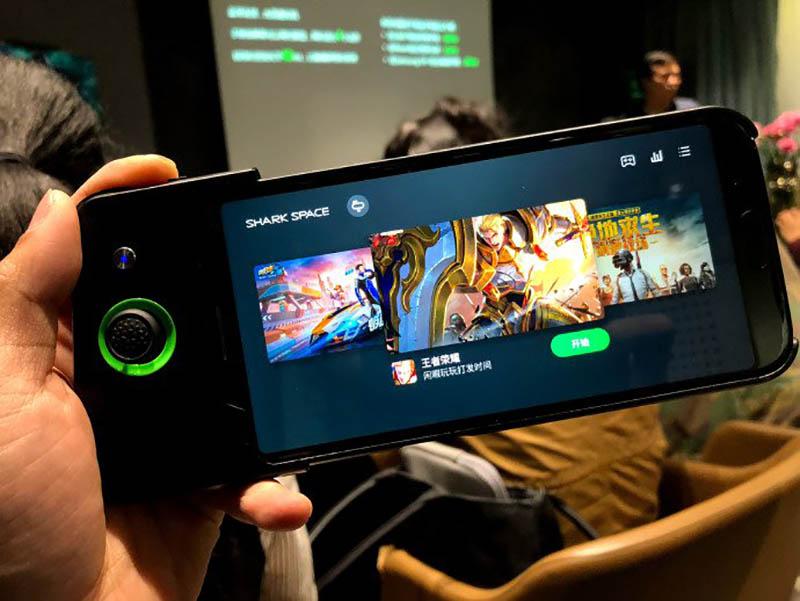 Smartphone-Xiaomi-Black-Shark-Android-Oreo-9.jpg