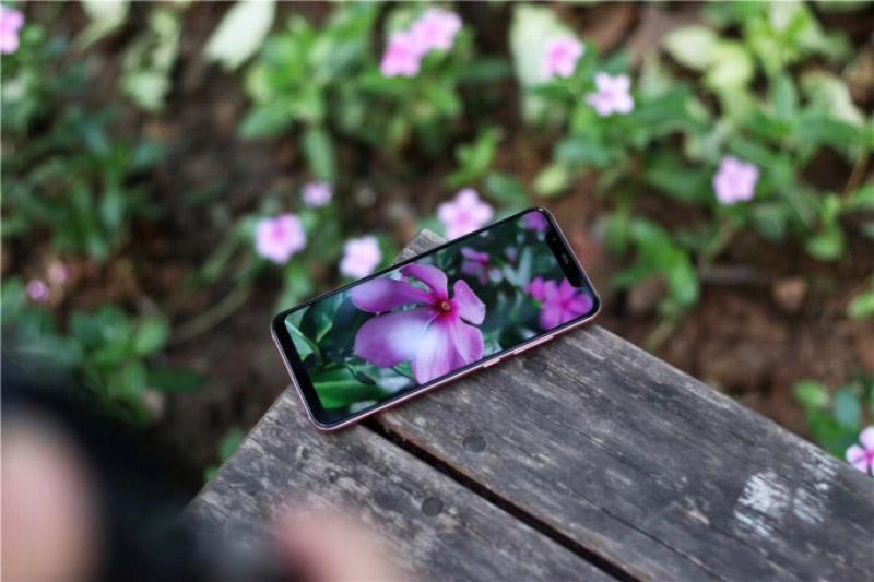 Xiaomi-Mi-8-Explorer-Edition-SE-5.jpg