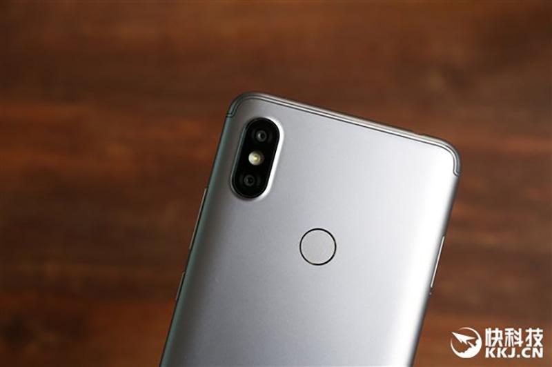 Xiaomi-Redmi-S2-unboxing-Android-Oreo-Google-3.jpg