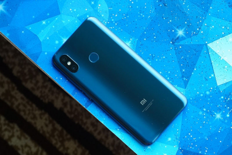 Xiaomi-Mi-8-unboxing-Android-2.jpg