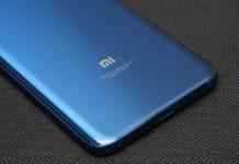 Xiaomi Mi 8 unboxing Android 1