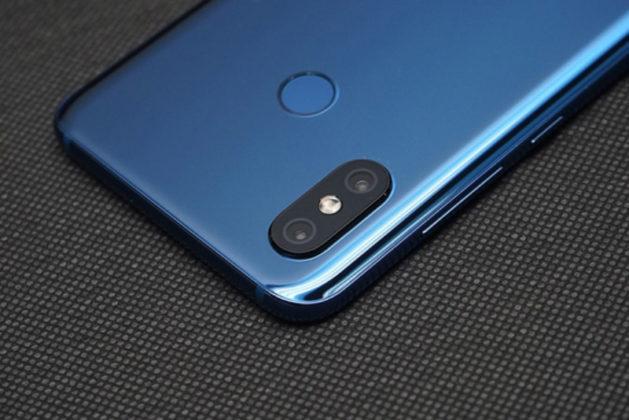 Xiaomi Mi 8 unboxing Android 1