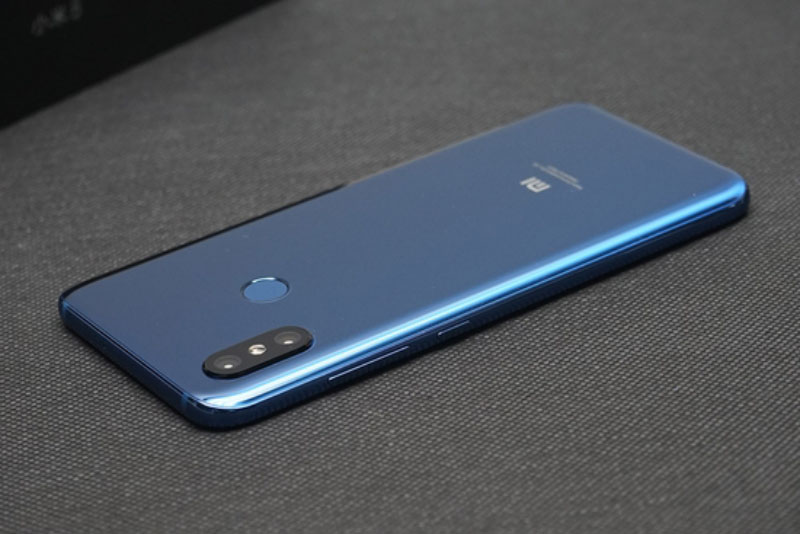 Xiaomi-Mi-8-unboxing-Android-6.jpg