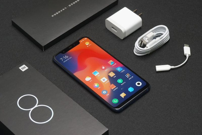 Xiaomi-Mi-8-unboxing-Android-7.jpg