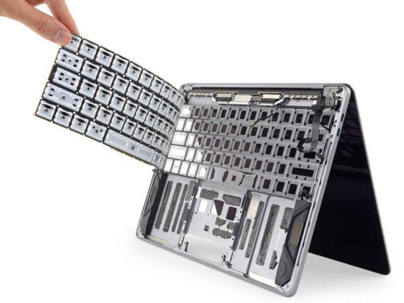 Apple MacBook Pro 2018 teclado pó