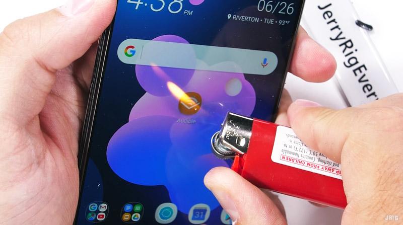 Android. HTC U12 Plus deixa a desejar num teste de resistência