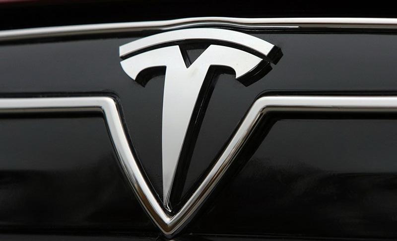 Imagens mostram aquilo que pode ser o smartphone da Tesla