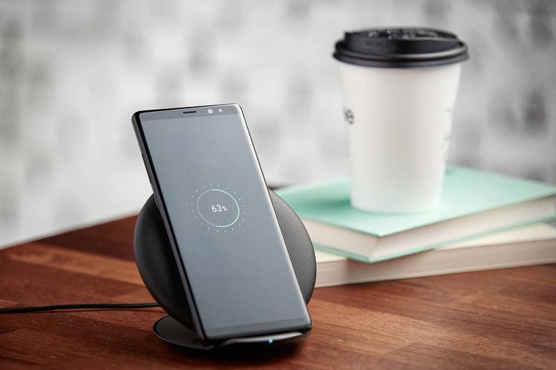 Smartphone: Compra um carregador sem fios por 1.80€ (tempo limitado)