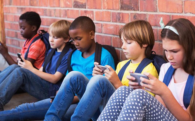França proíbe a utilização de smartphones e tablets nas escolas