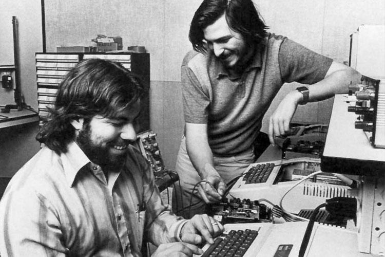 Apple-1 Steve Jobs Steve Wozniak 4gnews
