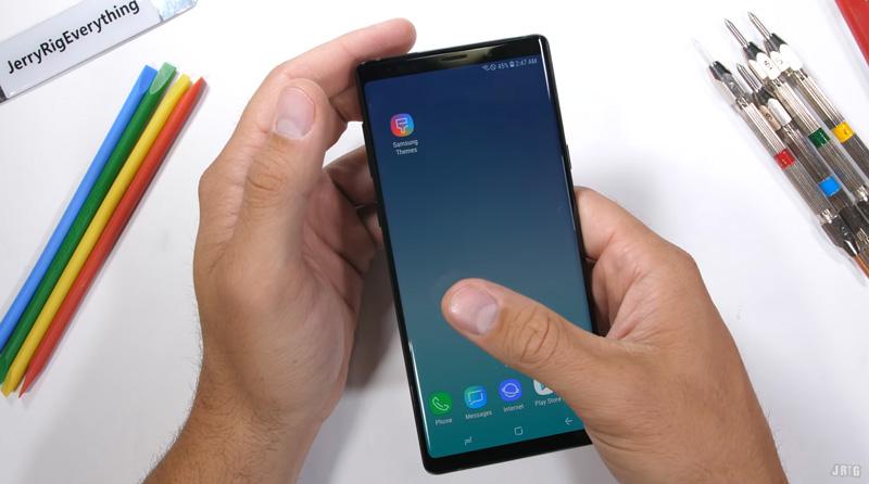 Samsung Galaxy Note 9 passa no teste de resistência com um 'senão'
