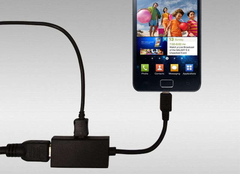 Como ligar o telemóvel à TV para ver conteúdos (WiFi, USB