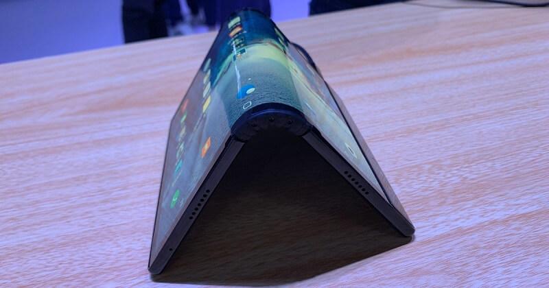 Smartphone dobrável da Samsung: Mais informações do equipamento