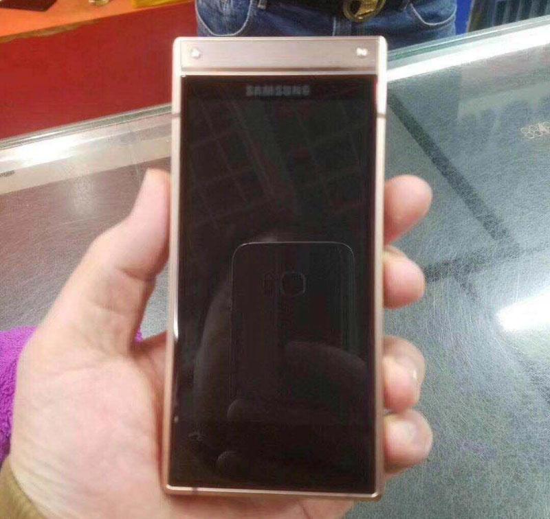 Samsung-W2019-Android-Pie-1.jpg