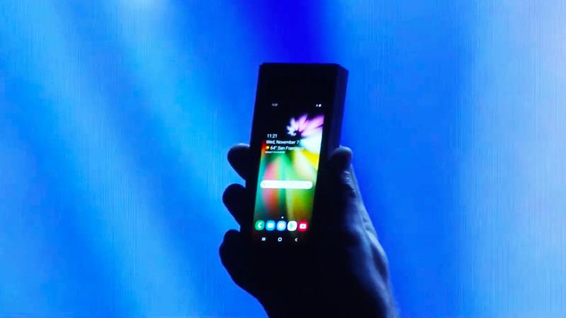 Smartphone dobrável da Samsung produzirá mais do que o esperado