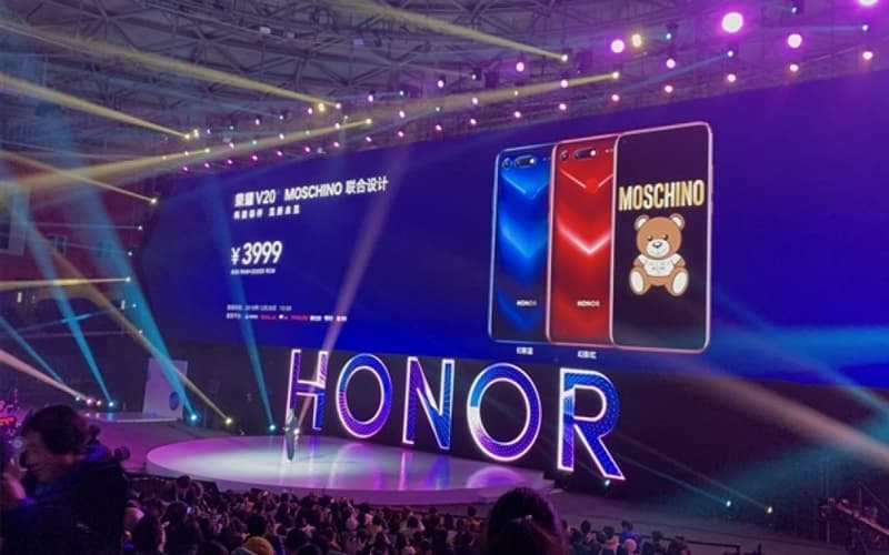 Honor View 20 Moschino smartphone