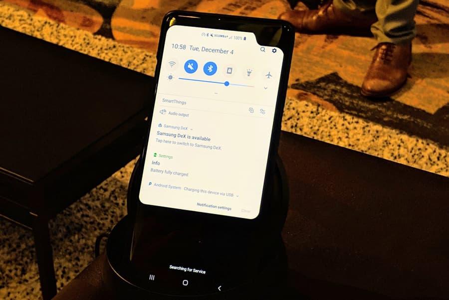 Misterioso smartphone da Samsung com uma notch lateral (protótipo?)