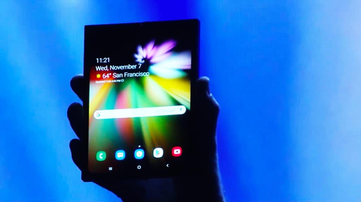 Smartphone dobrável da Samsung deverá chegar às lojas aquando o S10