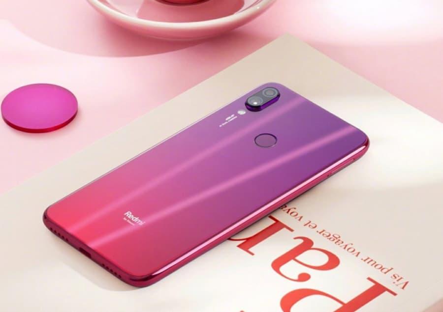 Xiaomi Redmi 7: CEO da marca mostra o smartphone antes da revelação