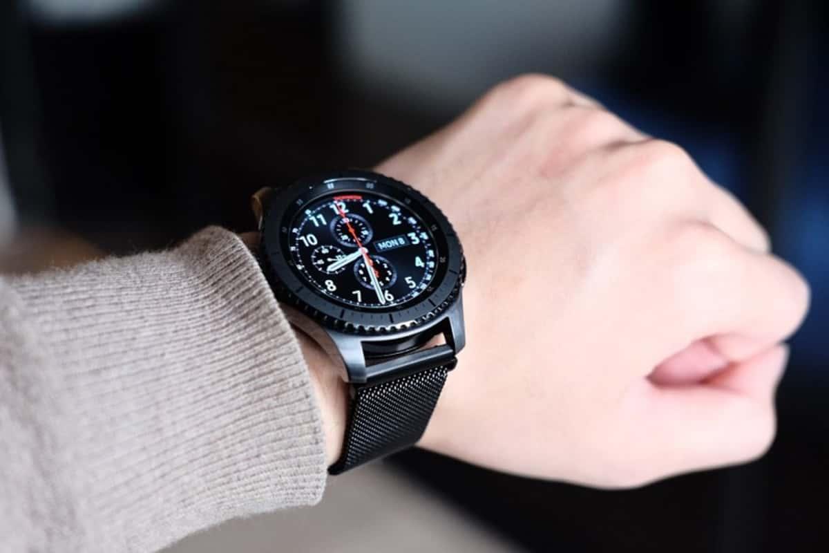 Samsung Gear S3 Tizen 4 smartwatch