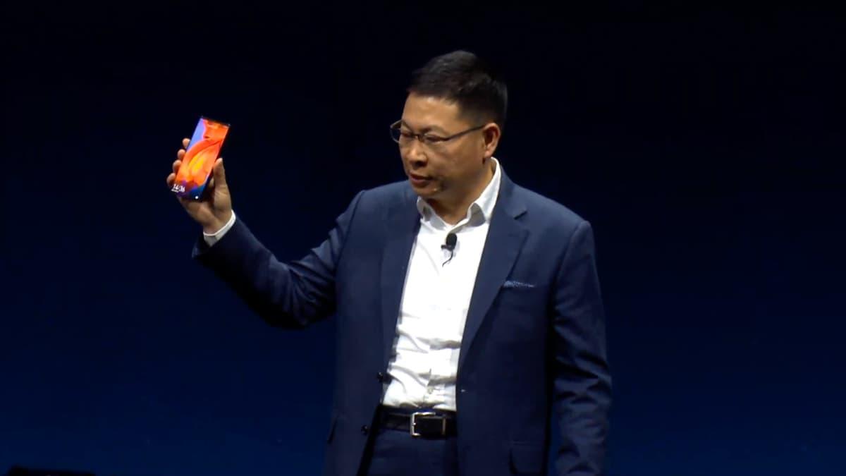 Huawei Mate X é o smartphone dobrável que vais querer ter!