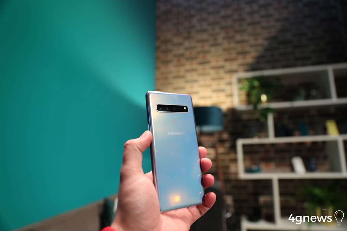 Tencionas comprar um dos Samsung Galaxy S10? Qual deles?