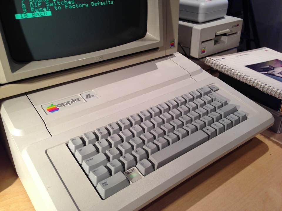 Encontrado computador com 30 anos da Apple totalmente operacional