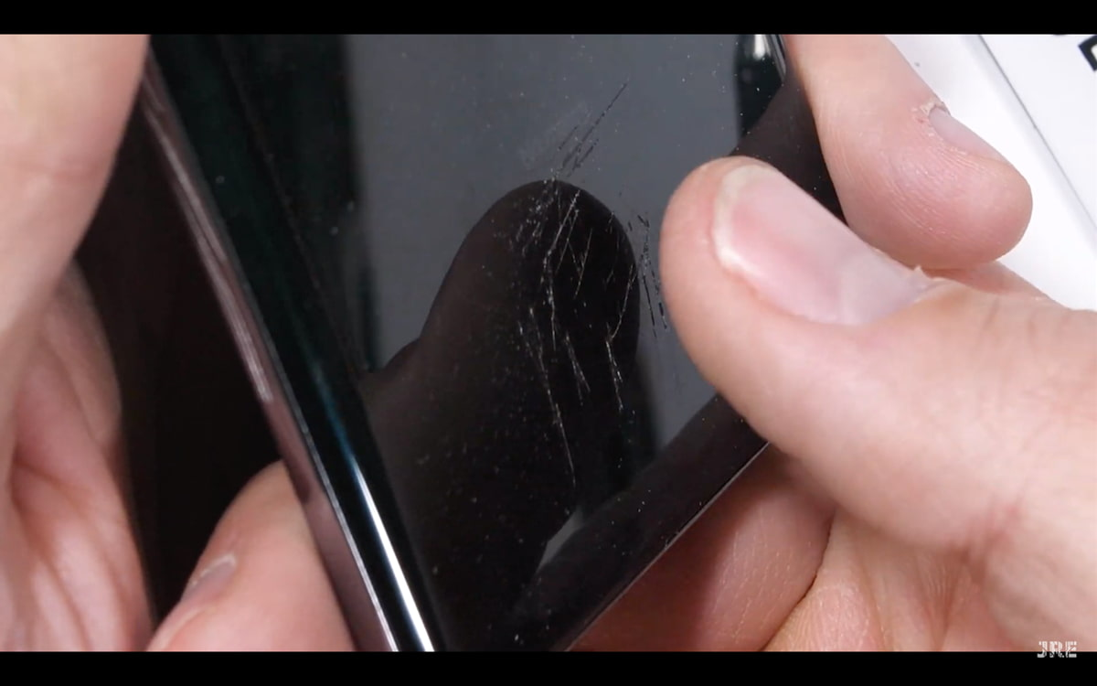 Sensor biométrico ultrassónico do Galaxy S10 não resiste a tudo